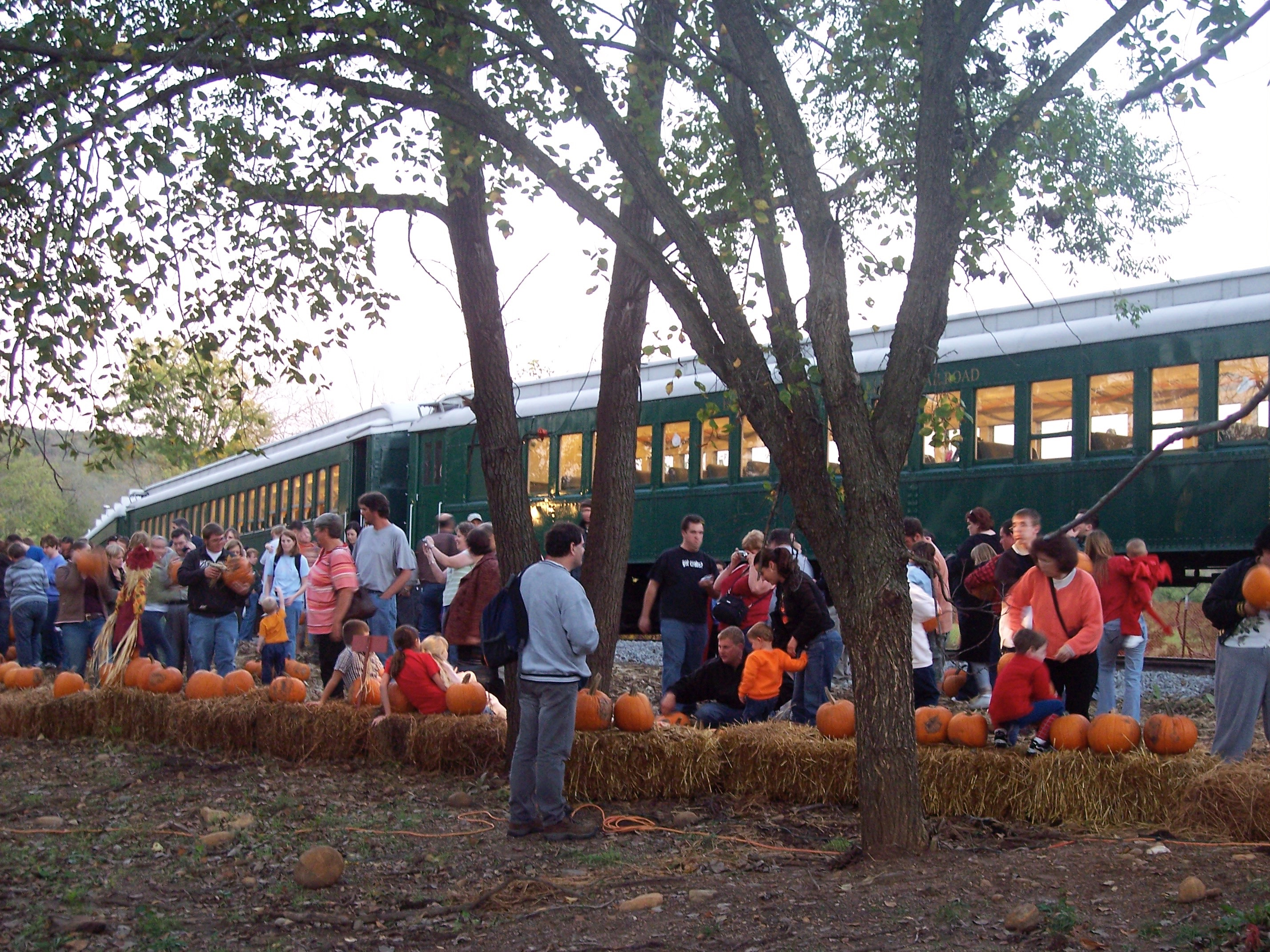 pumpkin express trains – boone & scenic valley railroad & james h
